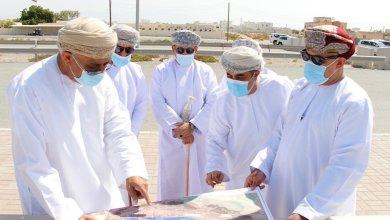 Photo of بينهم 3 وزراء: مسؤولون يطلعون على سير العمل في طريق الباطنة الساحلي