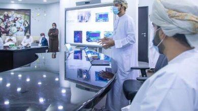 صورة تدشين أول حاسب آلي عماني، فما هي مواصفاته؟