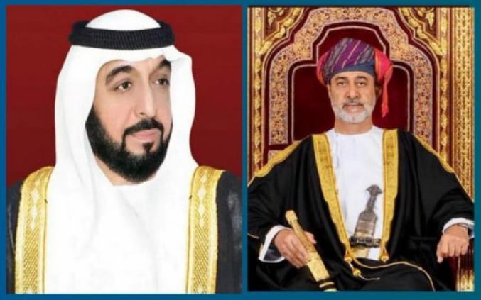 صورة جلالة السلطان يهنئ خليفة بن زايد
