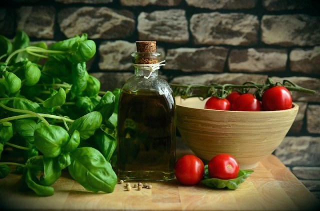 Basil Olive Oil Healthy Eat Tomatoes athelio