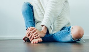 6 Stretches To Help You Handling The Pain