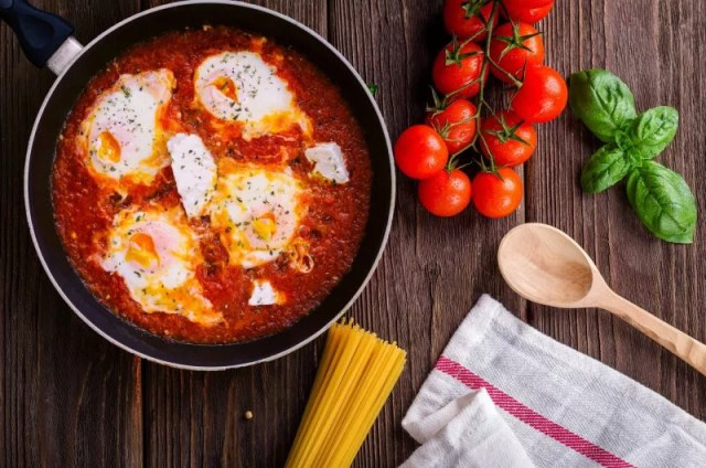 Tomato And Cheese Eggs Athelio Com
