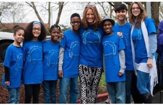 Αδιανόητο! Πάτησαν γκάζι και «βούτηξαν» στο γκρεμό με τα έξι υιοθετημένα παιδιά τους!