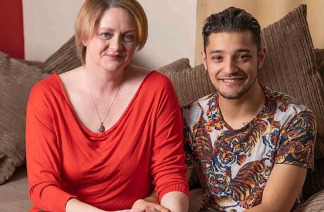 42χρονη μητέρα ερωτεύτηκε τον 20χρονο φίλο του γιου της