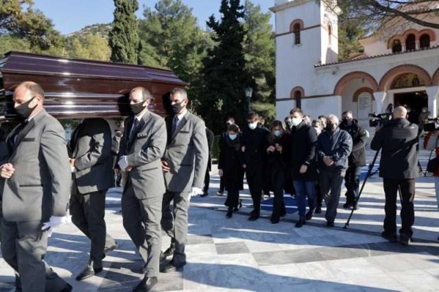 Στην κηδεία του πρώην υπουργού επικράτησε μεγάλη θλίψη.