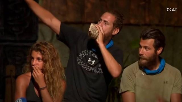 Survivor spoiler 22/04: 'Τα λέμε έξω παλιο....' - Η χυδαία βρισιά του Παππά στον Τζέιμς την ώρα που αποχωρούσε!