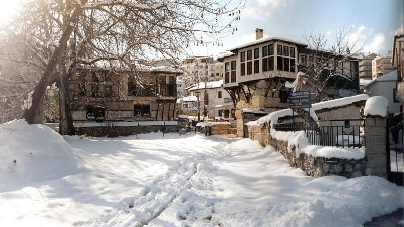 Υπέροχο το χιονισμένο κέντρο της Καστοριάς. © Περιφέρεια Δυτικής Μακεδονίας
