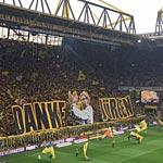 Die Dortmunder Südtribüne feiert Jürgen Klopp (Foto: athletic-brandao.de)