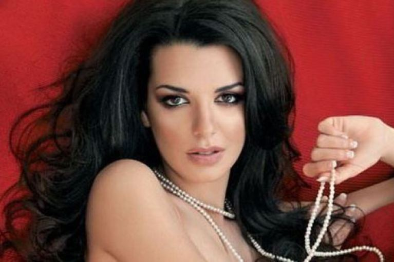 Νικολέττα Ράλλη: «Δεν αγχώθηκα όταν έμαθα ότι θα είναι απέναντι η Μενεγάκη»