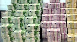 Βουτιά του ευρώ λόγω των εκλογών σε Γαλλία και Ελλάδα