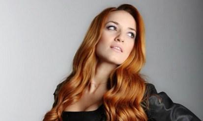 Νάιρα Αλεξοπούλου: «Αγαπώ πολύ τη μουσική και το τραγούδι»