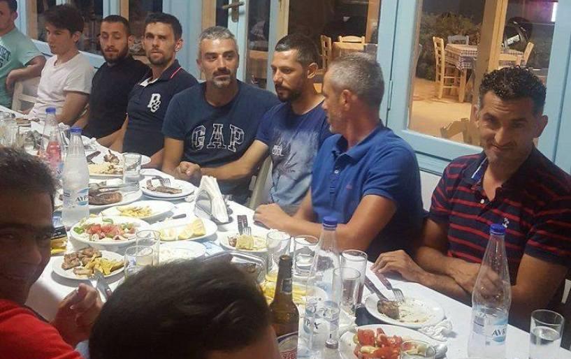 Aνακοίνωσε Γιαλυτάκη και δείπνησε σε οικογενειακό κλίμα