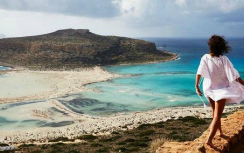 Σε ποια παραλία μπορείς να κάνεις μπάνιο μέχρι Νοέμβρη;