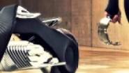 Δείτε την μοτοσικλέτα που δεν πέφτει ποτέ!!!