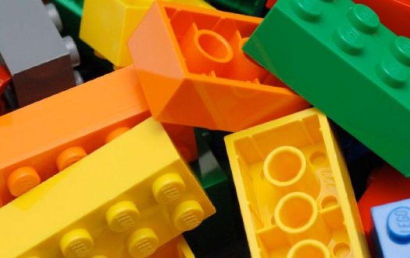 Tα lego τουβλάκια πιο φιλικά στο περιβάλλον