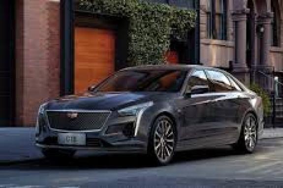 Cadillac CT4 2020: Επί άλλης βάσης