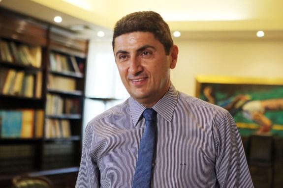 Αυγενάκης: «Η απόλυτη ευθύνη στην αστυνομία για τους οπαδούς του Ολυμπιακού στο Ηράκλειο»