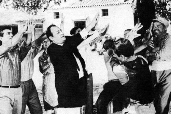 Η ελληνική μούντζα και οι… παραλλαγές της ανά τον κόσμο