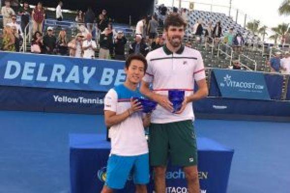 ΕΠΙΚΟ: Δαβίδ εναντίον Γολιάθ και στο τένις! (vid)