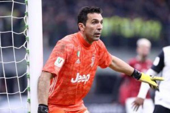 Μπουφόν: Έγινε ο πρώτος παίκτης σε συμμετοχές στη Serie A (vid)