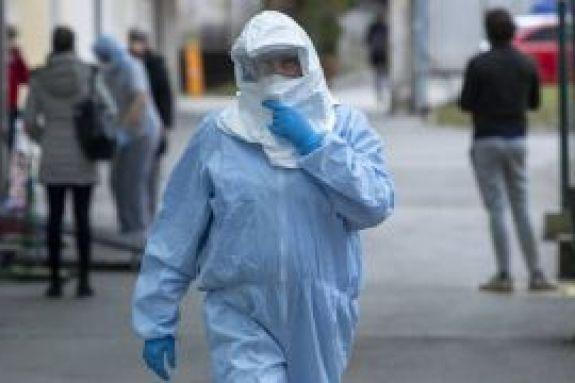 Οι «γκρίζες ζώνες» του κορωνοϊού – Θεωρίες, τοξικές ειδήσεις και κίνδυνοι για τη δημόσια υγεία