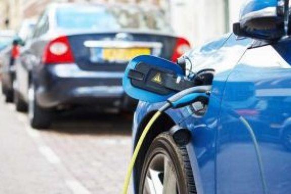 Ηλεκτρικά αυτοκίνητα : Οι οκτώ αλλαγές και τα φορολογικά κίνητρα