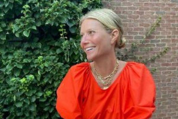 Γκουίνεθ Πάλτροου: Γιoρτάζει τα γενέθλιά της και ποζάρει ολόγυμνη