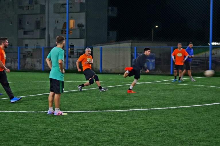 Οι ποδοσφαιρικές μάχες των ομάδων καλά κρατούν