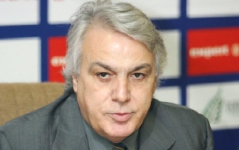 Και επίσημα υποψήφιος ο Μητρόπουλος