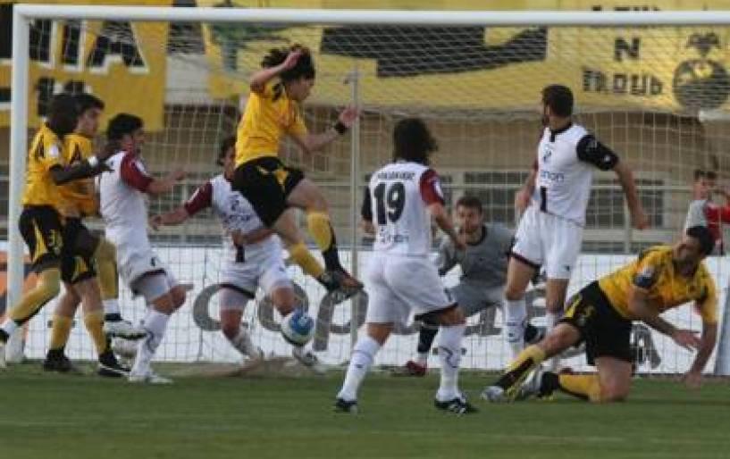 Τρία γκολ ο ΟΦΗ, νίκη της ΑΕΚ με 4-1