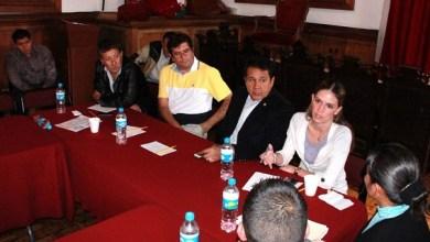 La comisión de diputados estuvo integrada por los diputados Salomón Fernando Rosales, Sarbelio Molina y Daniela de los Santos