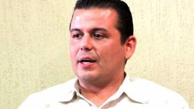 El munícipe reveló que Castillo ya no le toma las llamadas, le ha cerrado todas las puertas, y hasta lo ha sacado (junto con los alcaldes de Aguililla y Buenavista) del encuentro que encabezó con 53 alcaldes del PRI