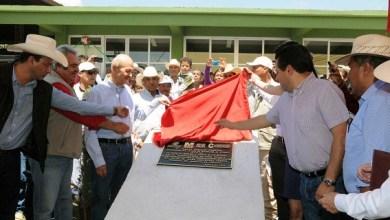 Vallejo Figueroa inauguró una serie de obras de infraestructura educativa y urbana, y recibió un reconocimiento de parte del edil Felipe de Jesús Contreras Correa