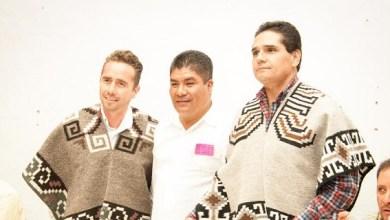 Durante el encuentro, el coordinador del PRD en la Cámara de Diputados estuvo acompañado por el diputado federal José Luis Esquivel Zalpa y los alcaldes de Paracho y Tingambato