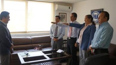 El enviado de la Comisión Nacional Electoral, José Carlos Rivera Alcalá, tomó protesta a la presidenta del órgano interno en Michoacán, Ángeles Toro Preciado, y al integrante de la misma, Samuel Arturo Navarro Sánchez