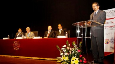 Al hacer uso de la palabra, el rector nicolaita subrayó la importancia de la investigación aplicada a proyectos de energía renovable para frenar el deterioro ambiental