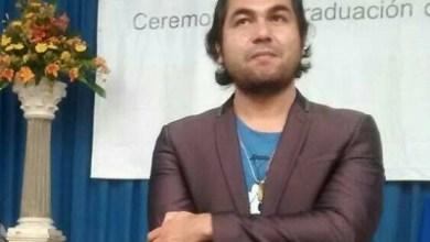 El autor, Javier Ríos Gómez, es doctor en Educación, Desarrollo y Complejidad; ha sido coordinador de la Red de Actividades Juveniles en Ciencia y Tecnología en Michoacán y coordinador del Encuentro Internacional de Inteligencia Artificial; actualmente es director de Educare Play