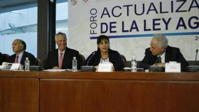 """Los comuneros son los más pobres entre los pobres; trabajan y trabajan la tierra """"y nada que producen"""", dijo Calderón Hinojosa"""