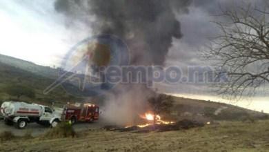 Al lugar llegaron bomberos de Protección Civil Municipal de Tarímbaro, así como de la Coordinación de Protección Civil y Bomberos de Morelia (FOTOS: FRANCISCO ALBERTO SOTOMAYOR)