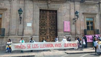 """Con la consigna de """"Vivos se los llevaron, Vivos los queremos"""", las madres adheridas al Comité de Familiares de Personas Detenidas Desaparecidas en México, (COFADEM) """"Alzando Voces"""", precisaron que exigen a las autoridades el apoyo para encontrar con vida a sus seres queridos"""