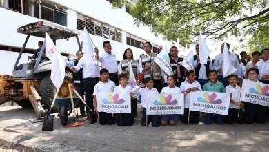 Silvano Aureoles recordó que en el municipio de Parácuaro se han puesto en marcha esquemas para recuperar el tejido social, como es el caso de Úspero y Antúnez