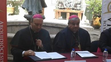 Franco Coppola acudió a la capital michoacana para imponer el Palio Arzobispal, que simboliza el nombramiento formal de Carlos Garfias Merlos como arzobispo de Morelia