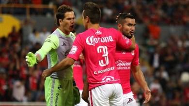 Los de Morelia se adelantaran en el marcador gracias a la anotación de Carlos Guzmán, quien definió tras un pase de Raúl Ruidíaz cuando apenas se jugaban los primeros dos minutos del cotejo