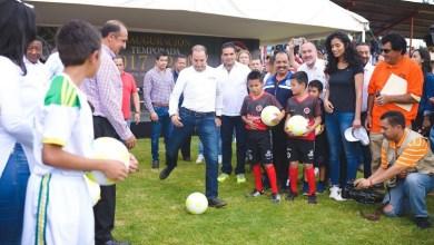 Al término de la presentación de los equipos, Cortés Mendoza señaló la necesidad de resolver los problemas que enfrentan los equipos de fútbol, por lo que los recursos se destinarán a la instalación de un cárcamo de bombeo para evitar las inundaciones que año con año se registran en la temporada de lluvias