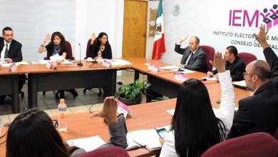 Al respecto, el Consejero Presidente Ramón Hernández Reyes aclaró que las consultas apenas fueron aprobadas por el órgano electoral, por lo que aún faltan varias etapas para llevar a cabo y, además, todos los integrantes de la comunidad serán tomados en cuenta