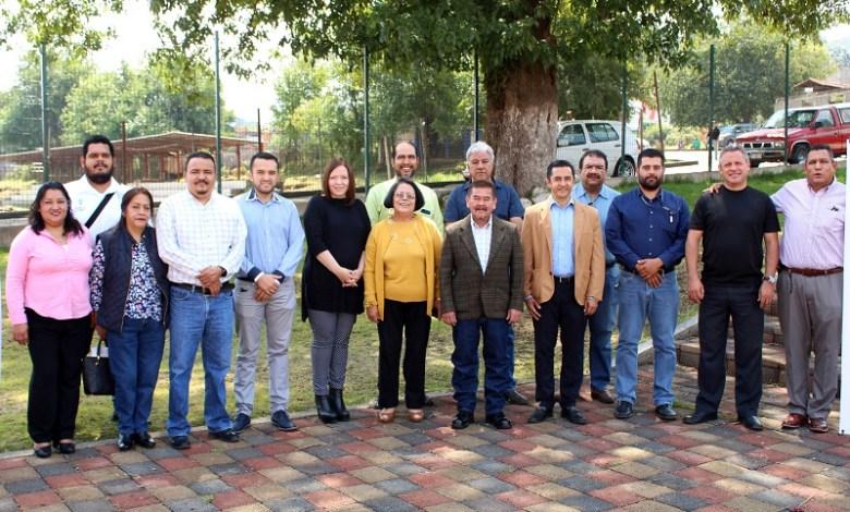 La subsecretaria de Contraloría Social de la Secretaría de Contraloría de Michoacán (Secoem), Laura González Martínez, inauguró en la Casa de la Cultura de Salvador Escalante la capacitación correspondiente a la Región VII Pátzcuaro- Zirahuén 2018