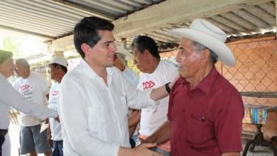 Toño Ixtláhuac señaló que se debe trabajar por el puerto, por potenciarlo aún más, pero también se debe trabajar por la ciudad que tiene tantas necesidades como agua potable, pavimentaciones, de alumbrado, drenajes, entre otras muchas carencias que tiene la ciudad de Lázaro Cárdenas