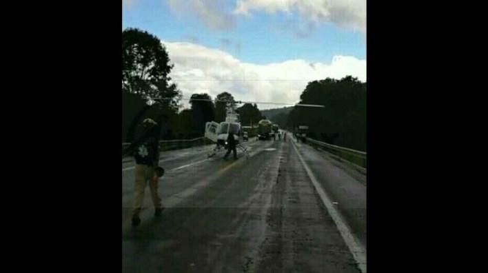 Elementos de la Policía Federal se hicieron cargo de realizar el peritaje del accidente y retirar las unidades siniestradas para liberar la circulación