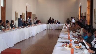 El subsecretario de Enlace Legislativo y Asuntos Registrales, Daniel Moncada, encabezó este encuentro en el Palacio de Gobierno con activistas y madres de desaparecidos, provenientes de Guatemala, Honduras, Nicaragua y el Salvador