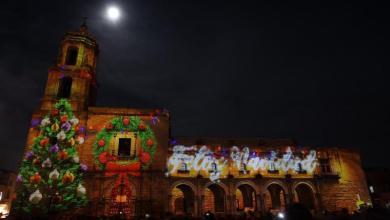 Ante una Plaza Valladolid llena de personas, la proyección del video Mapping sorprendió a chicos y grandes